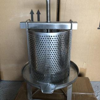 Extractors and wax presses